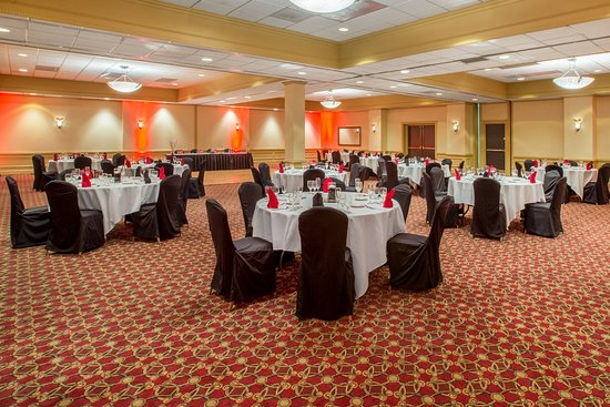Middleburg Heights, OH: Social Event in Grand Ballroom