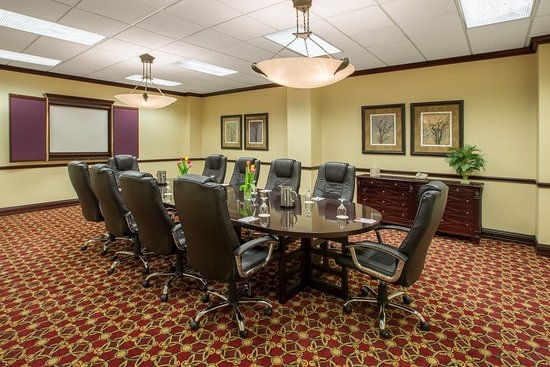 Middleburg Heights, OH: Board Room