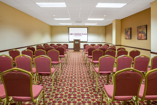 Middleburg Heights, OH: Meeting Venue with Classroom Setup