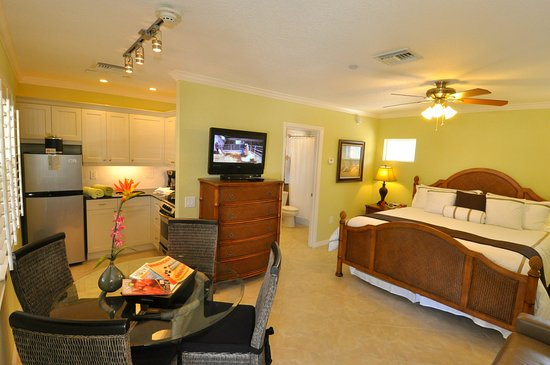 Tropical Beach Resorts: Siesta Key Beach Hotel