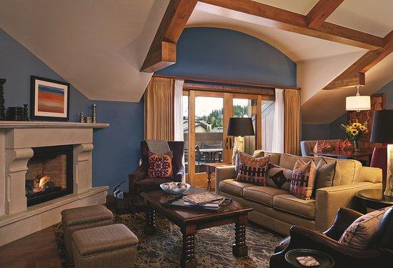 The Sebastian - Vail: The Sebastian 2Bd Residential Suite Livingroom