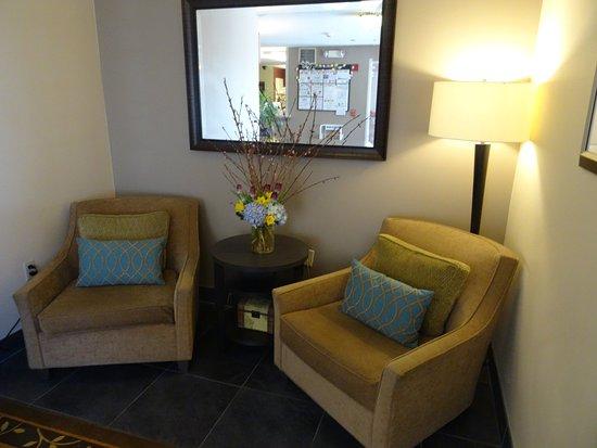 Candlewood Suites Boston-Burlington: Hotel Lobby