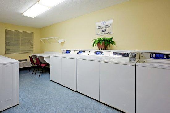 Morris Plains, NJ: Laundry Room