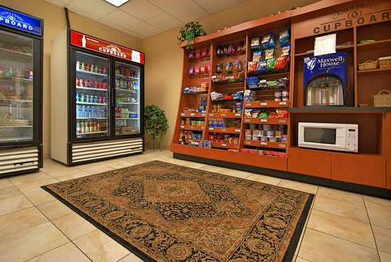 West Springfield, MA: Candlewood Cupboard