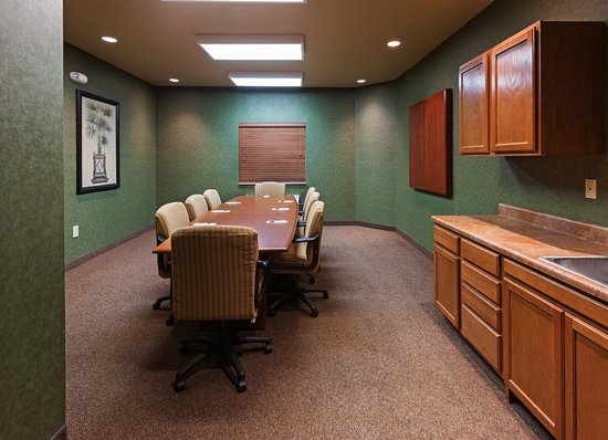 Saint Robert, MO: Get down to business in our Executive Boardroom