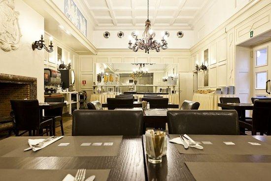 Saint-Josse-ten-Noode, بلجيكا: Restaurant