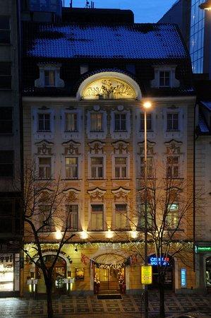 Adria Hotel Prague: Exterior