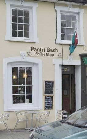 Aberaeron, UK: The lovely Pantri Bach Coffee Shop/Cafe'