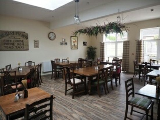 Oswestry, UK: New extension dining room