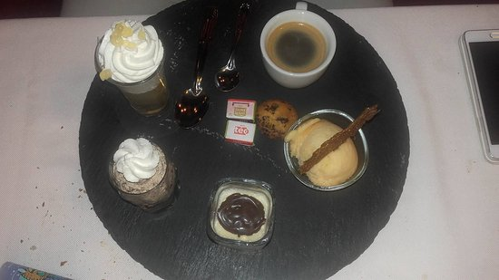 Aurillac, France : café gourmand