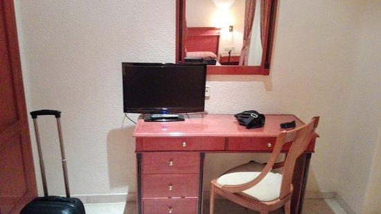 Hotel Sacromonte: IMG_20161010_131828_large.jpg
