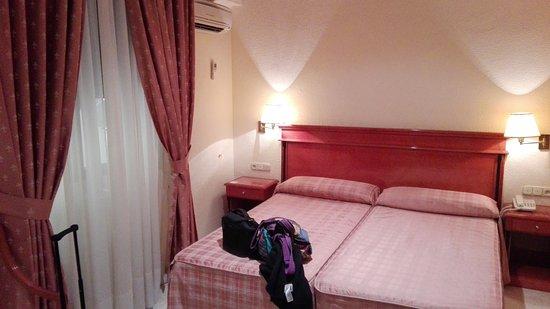 Hotel Sacromonte: IMG_20161010_131820_large.jpg