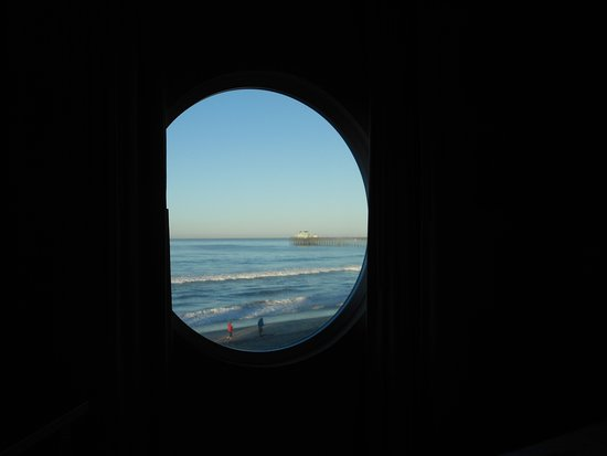 Southern California Beach Club: bedroom window