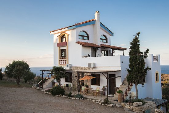 Iliatoras Traditionally Furnished Apartments
