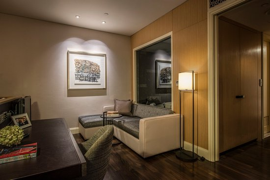 Ascott Raffles Place Singapore: Living Room Of Cutler Suite (Studio)