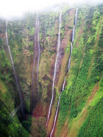 Waikoloa, Havai: many waterfalls