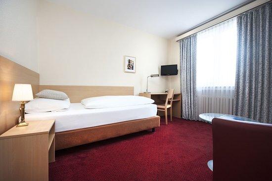 Bielefeld, Tyskland: Single Room Standard