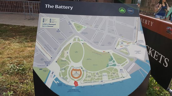Battery Park : Info boards at the park