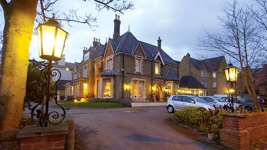 Hotel exterior - Cotswold Lodge Hotel