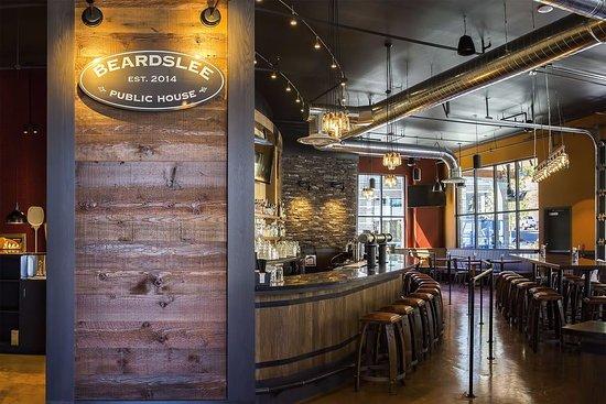 Beardslee bar Bothell, WA