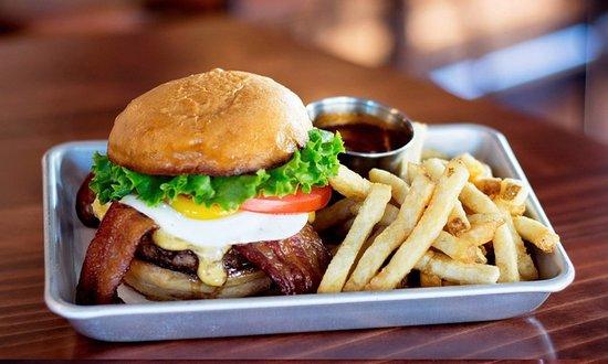 Bothell, Etat de Washington : Delicious burger for lunch or dinner at Beardslee