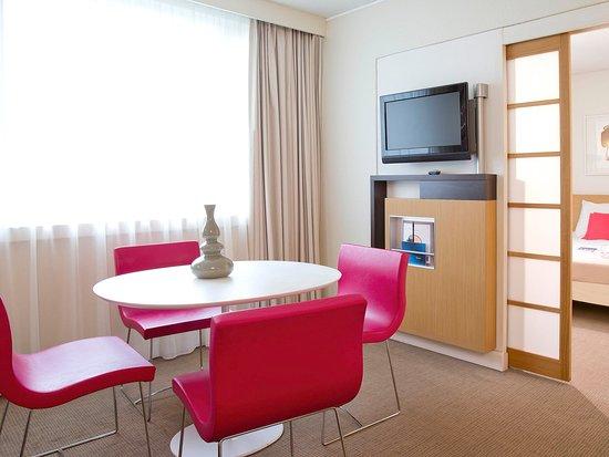 Créteil, France : Guest Room