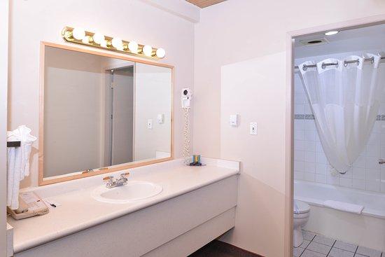 Fernie, Canada: Guest Bathroom