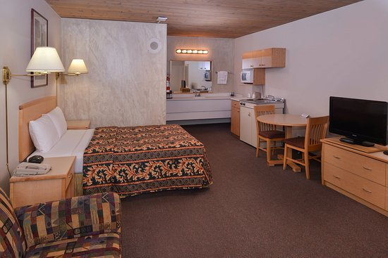Fernie, Canadá: One Queen Bed Kitchenette