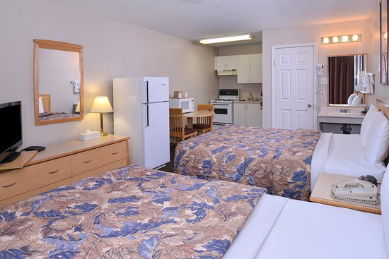 Fernie, Canadá: Two Queen Beds Kitchenette
