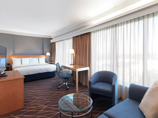 Mascot, Australia: King Bed Guest Room