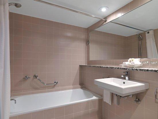 Mascot, Australia: Guest Bathroom