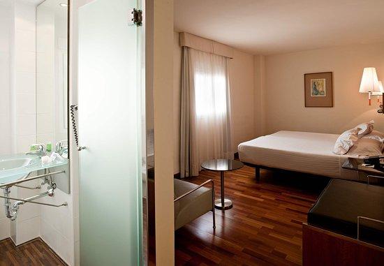 La Linea de la Concepcion, Spagna: Queen Guest Room