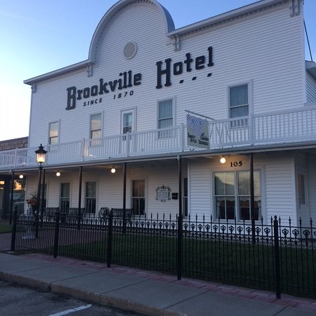 Abilene, KS: Front of Historic Hotel