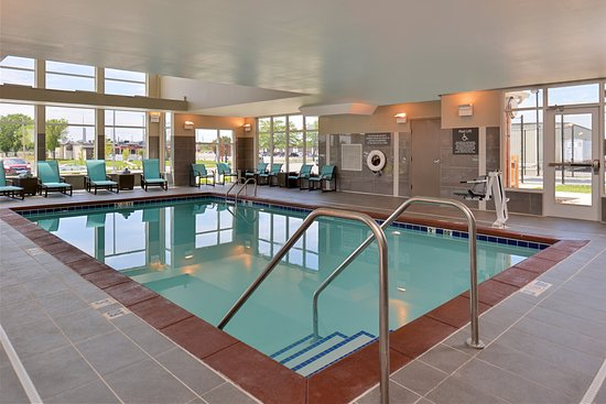 Cedar Rapids, Iowa: Indoor Heated Pool