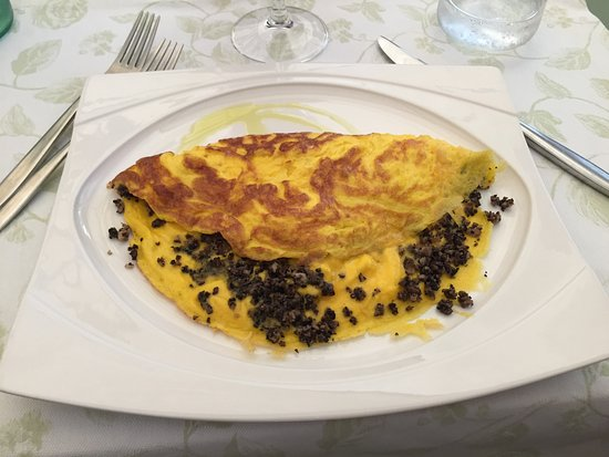 Bastia Umbra, Italia: Frittatona al tartufo