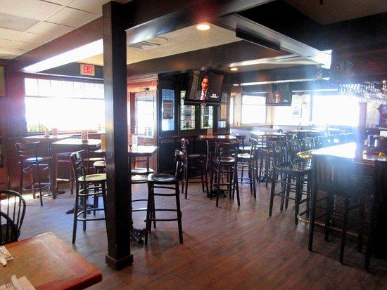 Marblehead, MA: Bar & Dining Room