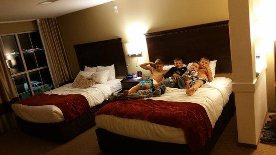 Marietta, OH: Fun times!!! Love this hotel! !!