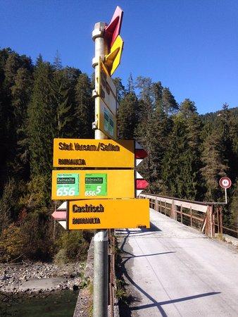 Ilanz, Suiza: Wanderweg Rheinschlucht von Valendas-Sagogn nach Versam-Safien