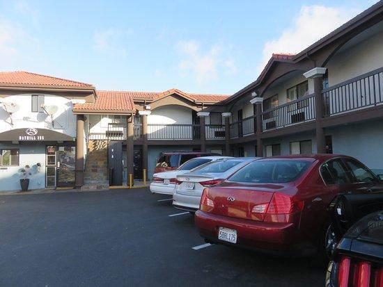 San Bruno, Californien: Front of Motel. Reception on the left
