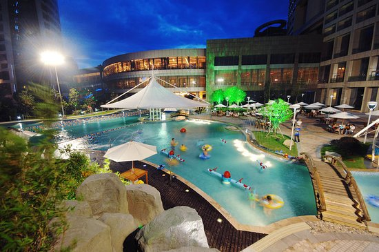 Shangyu, China: Pool