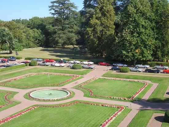 Montbazon, France : schöne Parkanlage, auch Pool vorhanden...SPA-Bereich