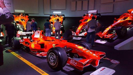 Maranello, Italia: F1 cars