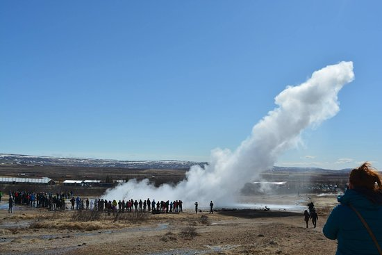 Selfoss, Ισλανδία: Amazing geyser at Strokkur, this is part of the 'Golden Circle Tour'