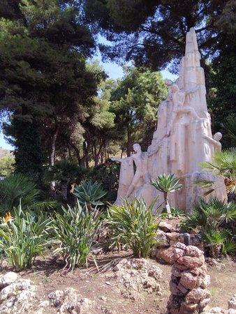 Cueva de Nerja: Monumento agli scopritori
