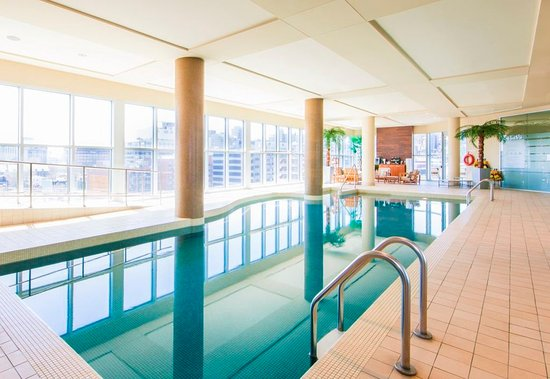 Hotel Le Crystal: Salted indoor Pool / Piscine eau salée intérieure