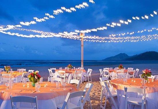 Frigate Bay, Saint Kitts: Beach Reception - Banquet Setup