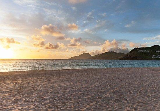Frigate Bay, Saint Kitts: Beach Sunrise