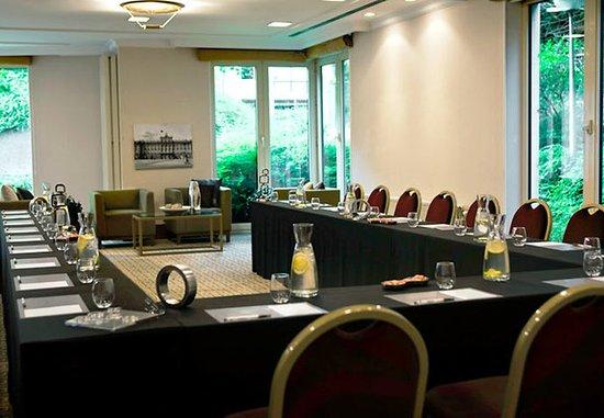 Иксель, Бельгия: Madrid Conference Room