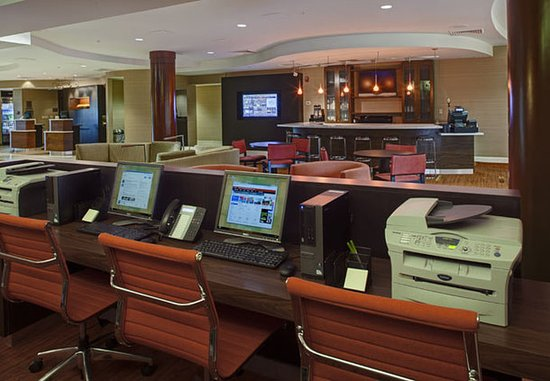 Orange Park, FL: Business Center