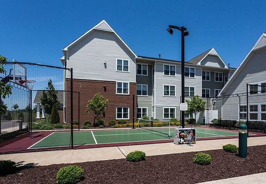 Hazleton, Πενσυλβάνια: Sport Court